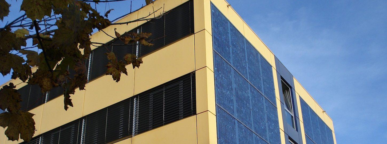 Zonnepanelen-gebouw   Aestate